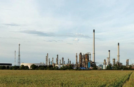 Major Humber oil refinery to be sold by end of year after deal is finalised
